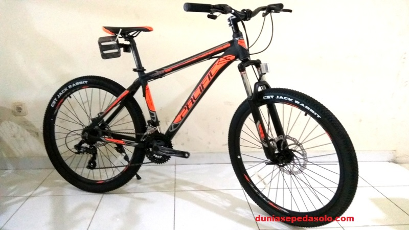 PACIFIC SEPEDA GUNUNG MTB 26 INVERT 300 ALLOY 21 SPEED HITAM OR .